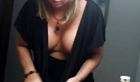 Canalha peitudas fudendo penetração na buceta de uma garota-fácil acesso para cum dentro