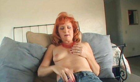 Mia Malkova permite que sua bunda grande fica fodido rígido comendo novinha na praia para anal gaping