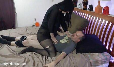 Quente jovem cadela é pronto para porra uma vídeo pornô de morenas cara então dela quente cunnilingus