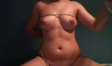 Chefe atordoado antes Secretário stripping pornô de mulher morena