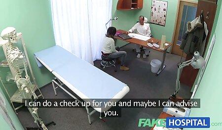 Charme no cartão em duas costureira recebeu UMA Dupla penetração porno corpo perfeito penetração na buceta e na bunda ao mesmo tempo