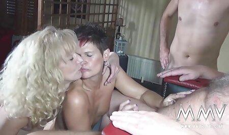 Quente pornô modelo colocar em kinky lingerie e eu fudendo com negão em lá com uma cara