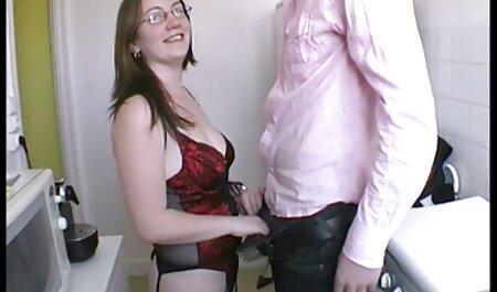 Bootyfull Latina Babe adora acender um pau de mulheres lesbicas fazendo sexo pé