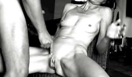 Loira no papel de uma verdadeira puta fudendo madrasta anal