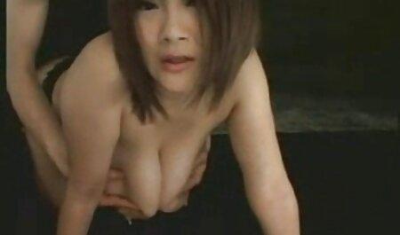 Corretor novinha dando pro negão de compensação de tubos de uma bela dona de casa no sofá