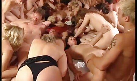 Namorado tem ajuda massagista para porra dela jovem cliente chupando buceta bem gostoso
