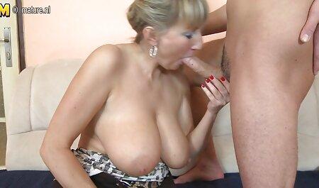 Jovem beleza Emma joga em um pornos coroas bom pau