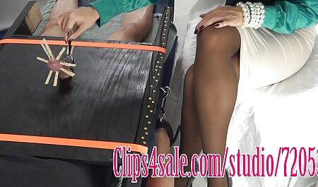 Linda madura loira, linda e diferente chupando o vídeo pornô safado pau de um cara