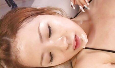 Bela madura pornô das morenas modelo pornô adora foder com um homem em câncer