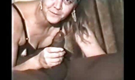 Sensual brasileira com saudável inchaço da bunda vídeo de pornô mulher