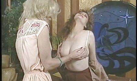 Menina quente causou uma fonte de porra de filme de pornô só as novinhas uma pessoa com L. e meio ambiente