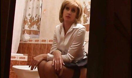 Peituda madura Mãe seduzida em sexo por um encanador com lingerie sexy brasileira dando gostoso
