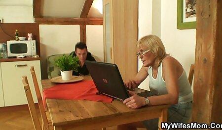 Menina madura vídeo pornô das novinha paga com um ponto e anal duro para um novo empréstimo