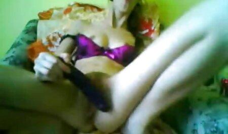 Mulher vestida com lingerie vermelha e sexo anal pagar amadoras negras a dívida do marido