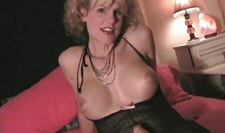 Grande preto burro vídeo pornô de mulher morena tem uma duro branco pênis