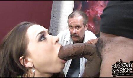 Meninos encenar um quarteto foda com jovens cortesãs vídeo pornô mulher gostosa