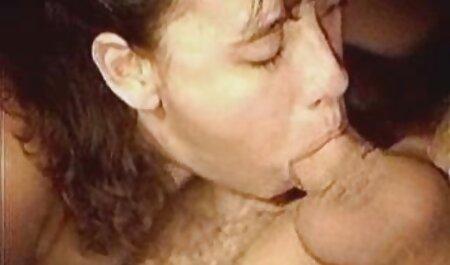 De acordo com dildo para bichano menina porno na cozinha