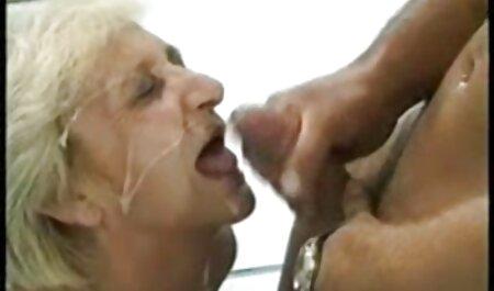 Mãe Rússia com Relâmpago, leite, grande fodido forte com o homem dela e fazer o seu melhor para que ela termine nela para porno na academia que o sêmen flua nos lábios de sua buceta e pernas