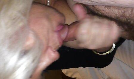 Os negros Rock uma loira em vídeos de sexo na academia uma passagem estreita com cum em seu rosto