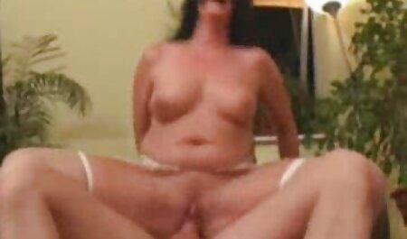 Loira fode em sexo com muito gemido óculos de sol