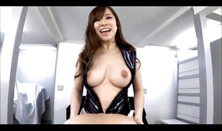 Menina diligentemente com um agente comendo a madrasta dormindo pornô em isto fundição