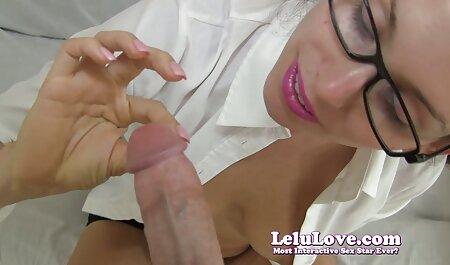Menina atrevida empurrando um vibrador xvideos comendo a madrasta enorme em seu barbear L.